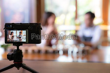 vlog owner review cafe