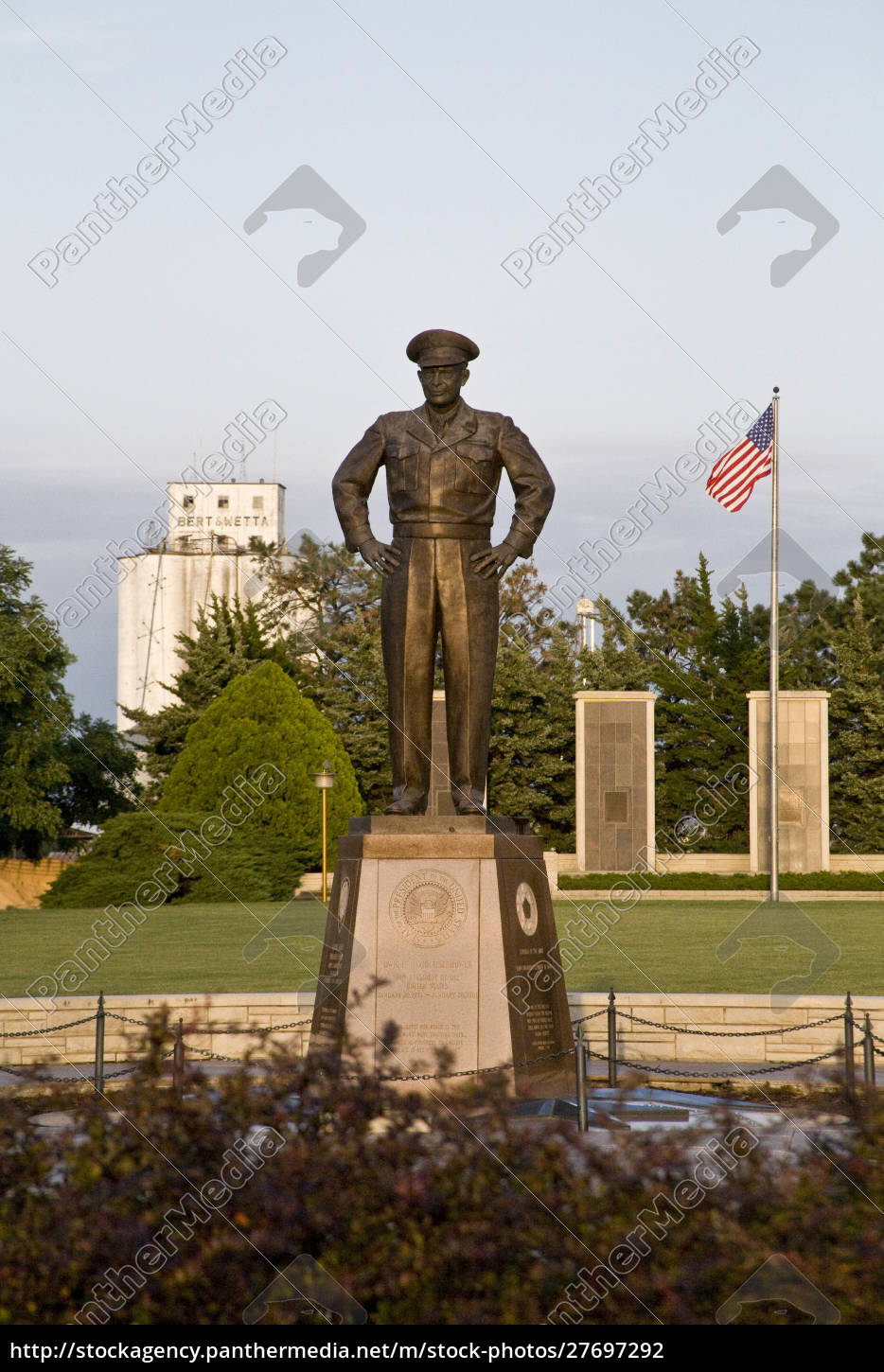 united, states, , kansas, , abilene., a, monument - 27697292