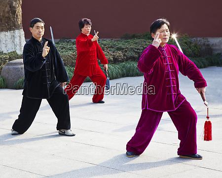 china hangzhou women and men preforming