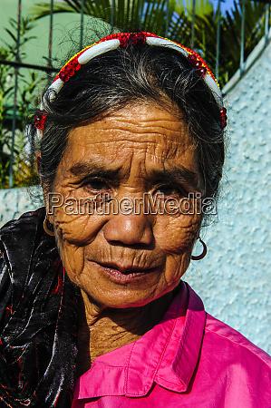 friendly filipino woman bontoc luzon philippines