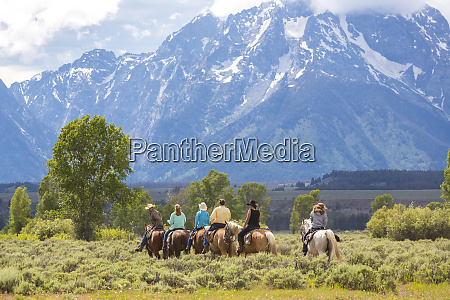 horse riding grand teton national park