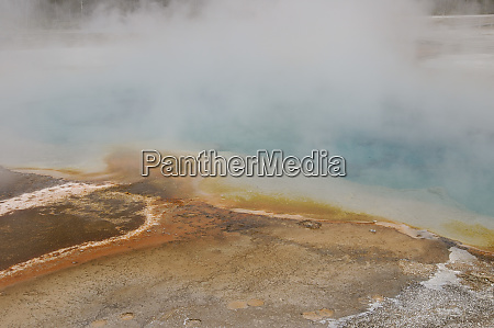 sulphur caldron yellowstone national park wyoming