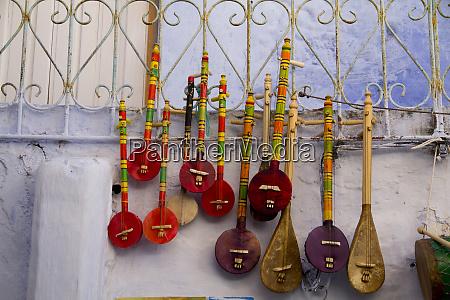 musical instrument souvenir shops in the