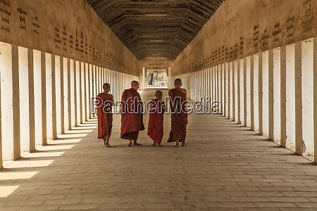 myanmar mandalay novice buddhist monks inside