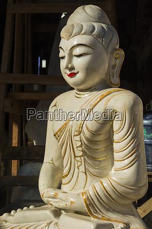 myanmar yangon ceramic buddha