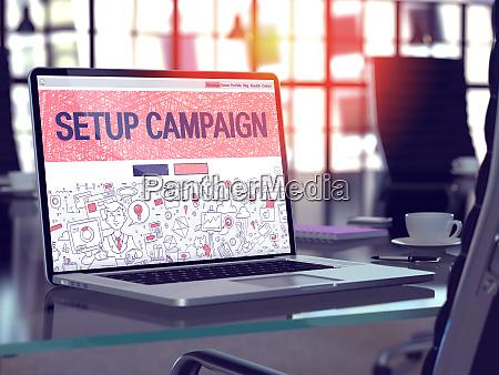 setup campaign concept on laptop