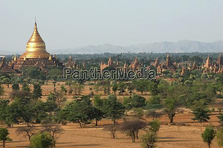 myanmar bagan vast arid plain of