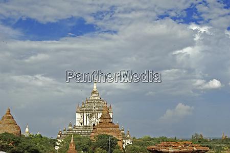 myanmar bagan buddhist temple packed vast