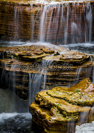 waterfall at chi lin nunnery and