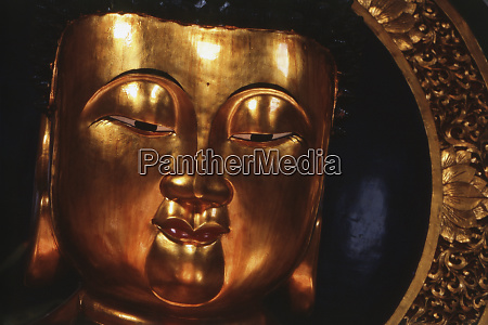 hong kong golden temple buddha at