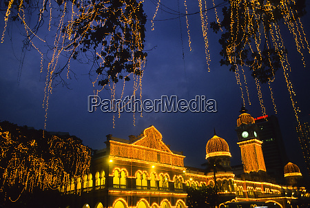sultan abdul samad building across from