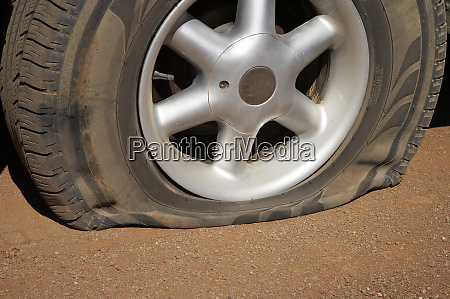 flat tire flinders ranges south australia