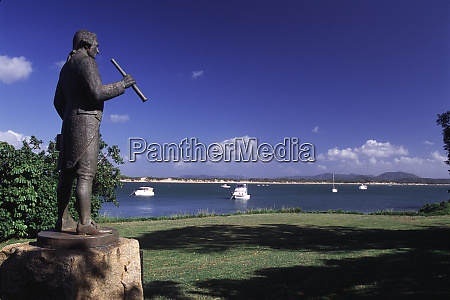 statue on the cooktown foreshore commemorates