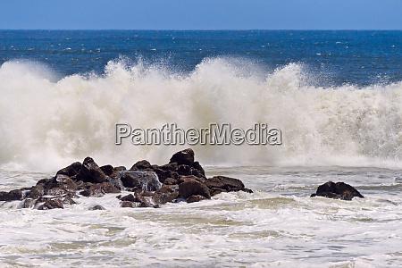 ocean waves skeleton coast along south