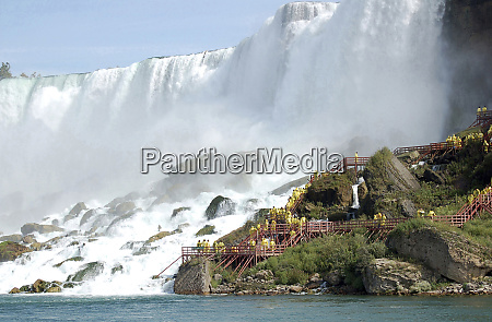 canada ontario niagara falls walking the