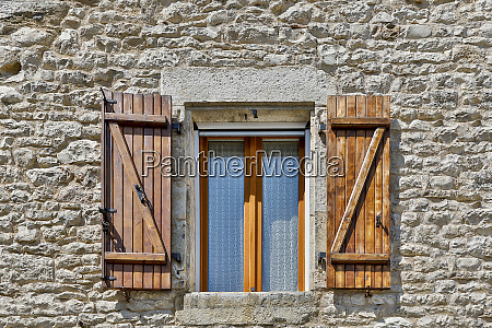 france vaylats window and shutters