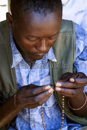 livingston zambia africa craftsman beading necklace