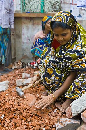 women breaking stones dhaka bangladesh asia