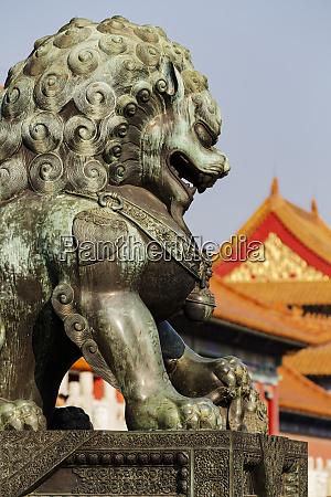 bronze guardian lion statue forbidden city