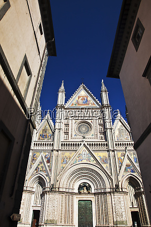 evening light on cathedral of orvieto