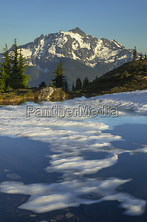mount shuksan seen from partially thawed