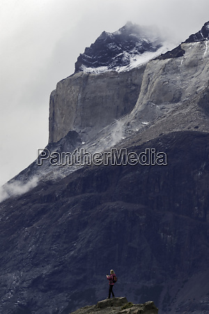 hikers and torres del paine torres