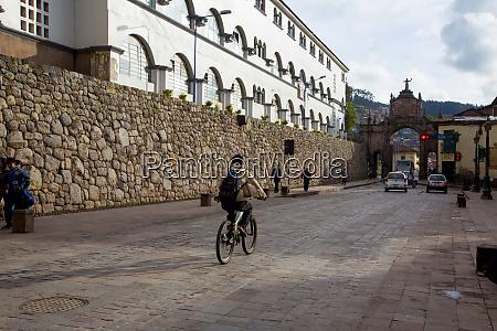 calle santa clara cusco urubamba province