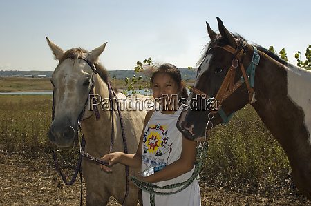 teenage horse lover heather white tail
