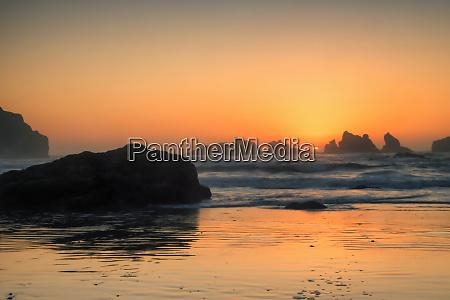 usa oregon bandon beach sunset credit