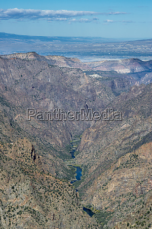 gunnison river winding through black canyon