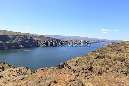 viewpoint overlooking columbia river near vantage