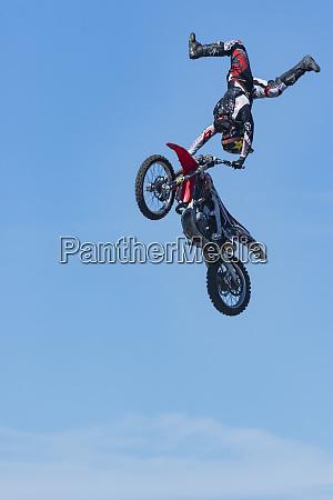 motorcycle stunt rider madras airshow oregon