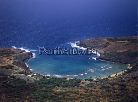 beautiful turquoise hanauma bay shimmers near
