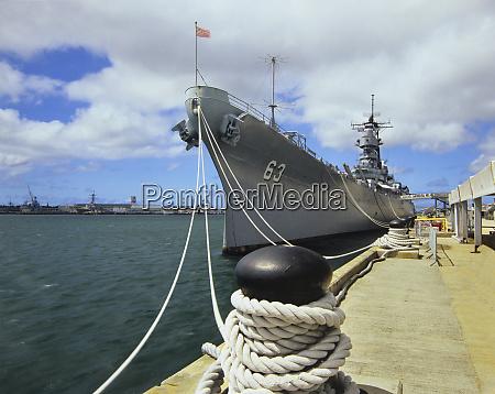 uss missouri in pearl harbor hawaii