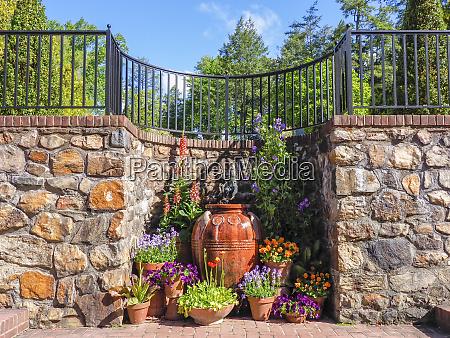 usa pennsylvania decorative pots of flowers