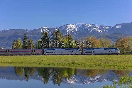 empire builder amtrak passenger train rolls