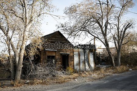 ruins of an abandoned building tonopah