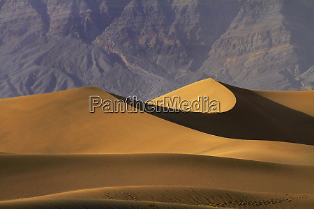 mesquite flat sand dunes and grapevine