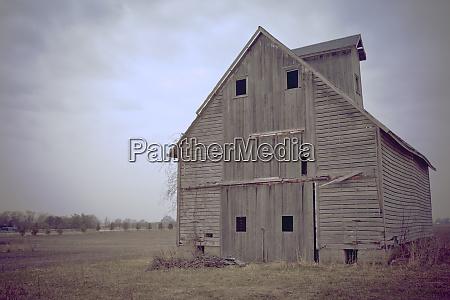 abandoned wooden barn joliet illinois usa