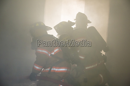 firefighters at structure fire effingham county