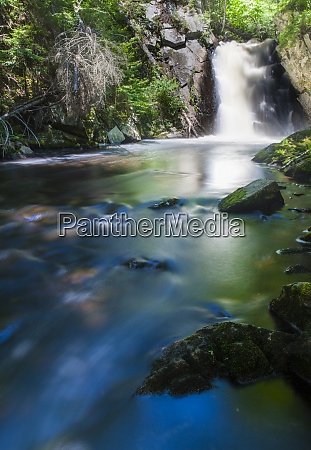 cold stream falls in maines northern