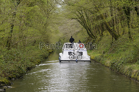 france burgundy nievre canal boat under