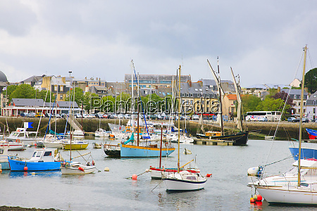this picturesque harbor is located in
