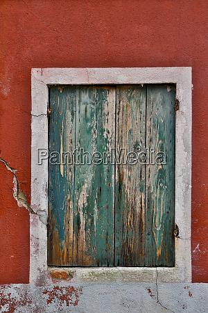 shuttered windows burano italy