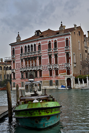 working boats along the grand canal