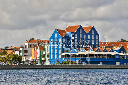 curacao willemstad waterfront shopping district