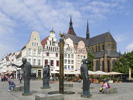fountain moewenbrunnen by waldemar otto at