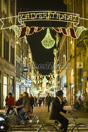netherlands amsterdam kalverstraat street holiday decorations