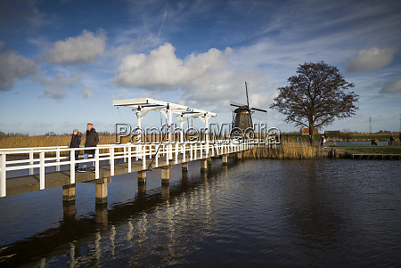 netherlands kinderdijk traditional dutch windmills and