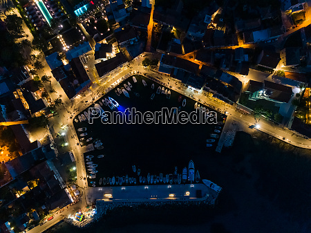aerial, view, above, of, sutivan, cityscape - 27930333